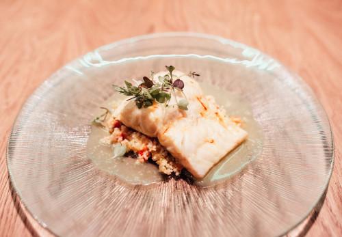 Bacalao con cuscús y salsa azafran